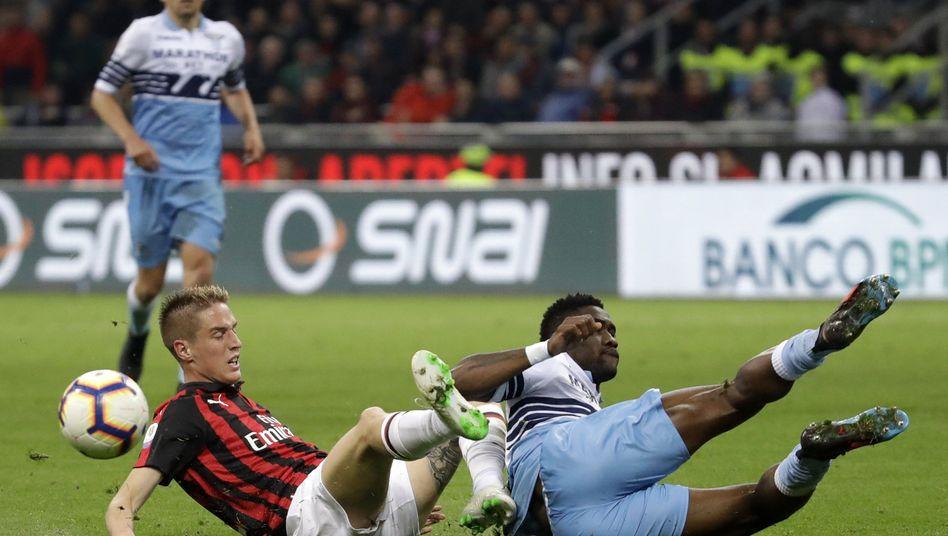 AC Mailand gegen Lazio Rom machten nicht nur sportliche Schlagzeilen