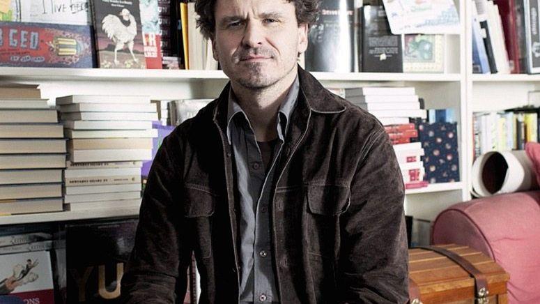 Schriftsteller Eggers Zukunftsvisionen für ein Land, das auf der Stelle tritt