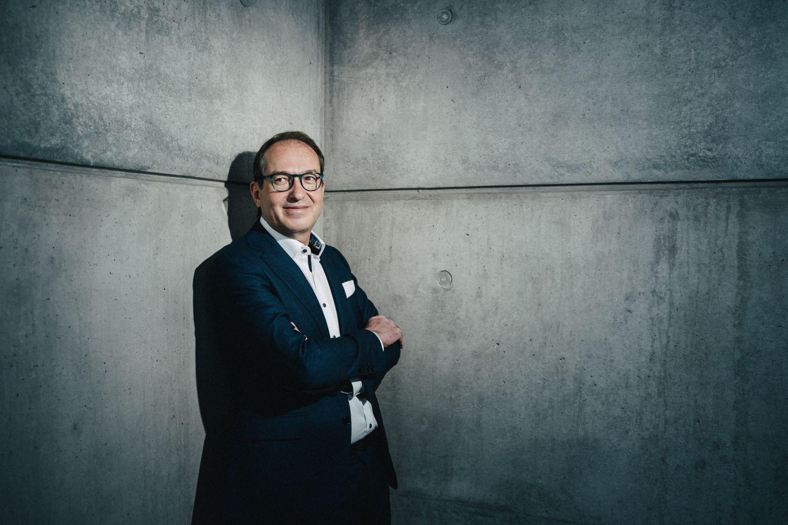 Alexander Dobrindt, CSU, fotografiert im Jakob-Kaiser-Haus
