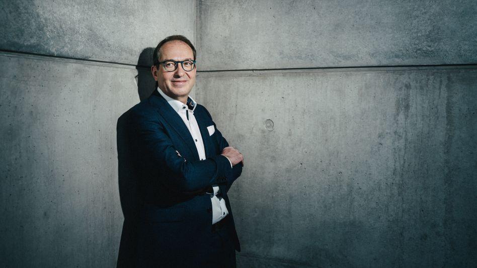 CSU-Politiker Dobrindt: »Ob mir jemals die Resozialisierung aus meiner Generalsekretärszeit gelingt, ist noch unsicher«