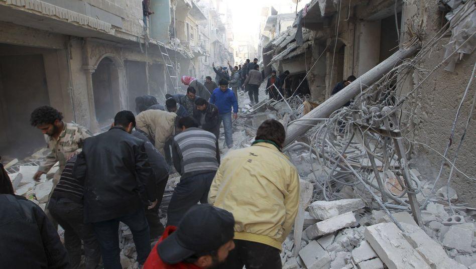 Suche nach Überlebenden nach dem Bombenabwurf in Aleppo: Mindestens vier Kinder unter den Opfern