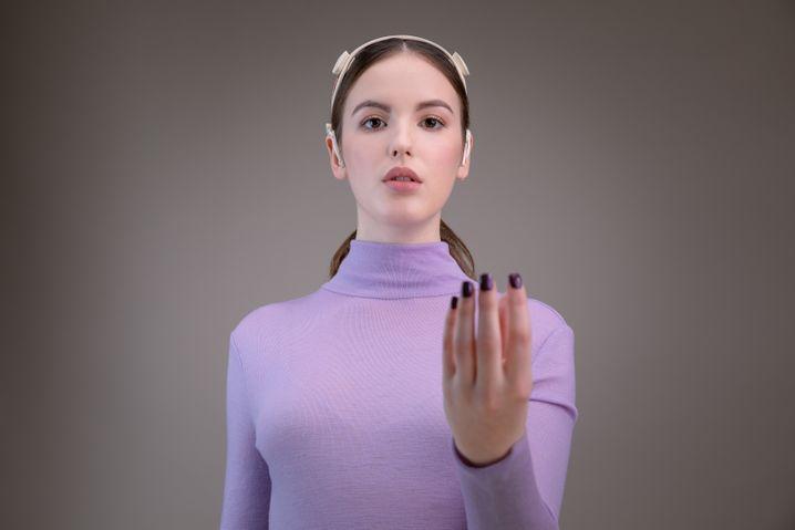 Die Forscher entwickeln eine Gestensteuerung, mit der sich Sprecher gezielt in den Fokus rücken lassen.