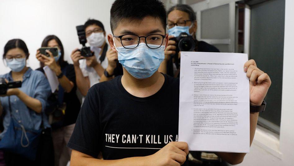 Wehrt sich gegen seine Disqualifizierung für die Wahl: der prodemokratische Aktivist Joshua Wong in Hongkong