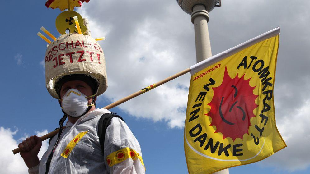 Energiepolitik: Zehntausende Atomgegner gehen auf die Straße