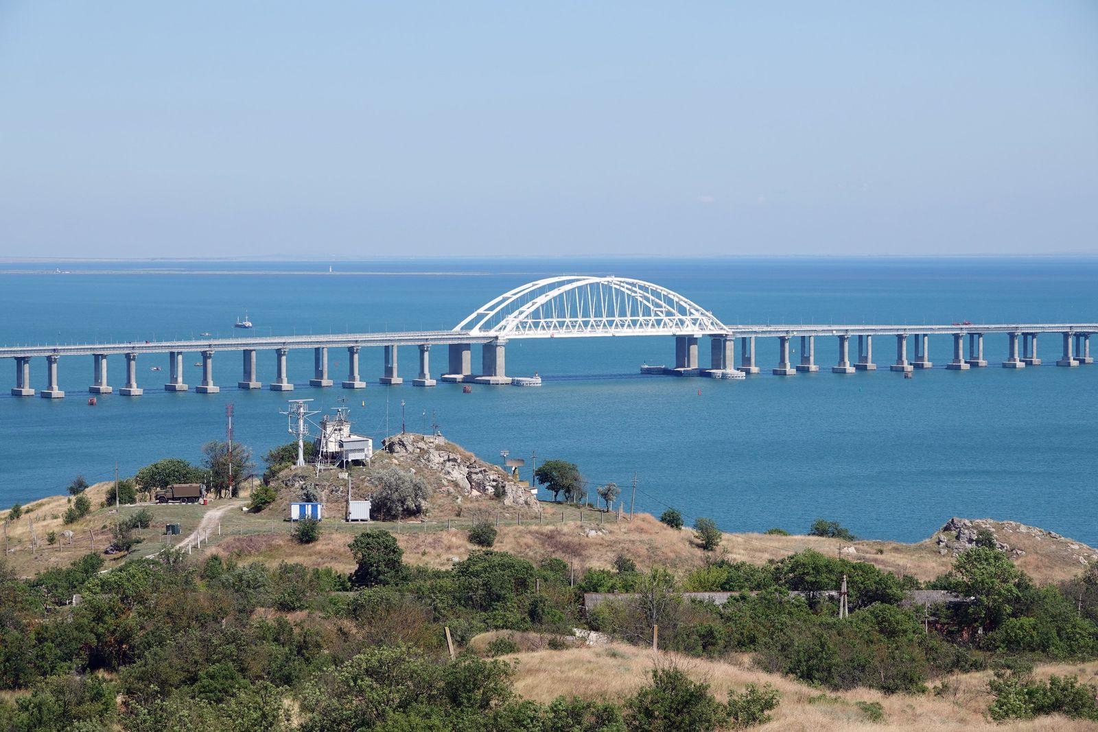 Umstrittene Krim-Brücke für Zugverkehr freigegeben