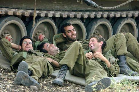 Israelische Soldaten an der libanesischen Grenze: Transparente Strategie