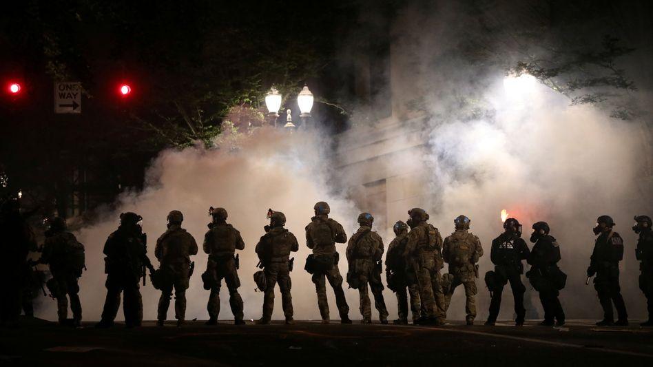 Bundeseinheiten auf den Straßen von Portland (am 21. Juli): Entspannung der Lage ist vorerst nicht zu erwarten