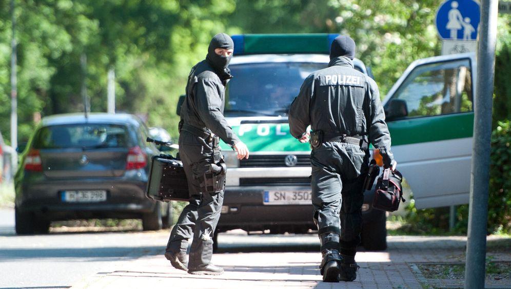 Großeinsatz der Polizei: Leichensuche in der Lagerhalle