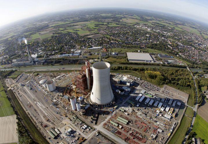 Baustelle des Kohlekraftwerks Datteln: Der Kühlturm steht schon
