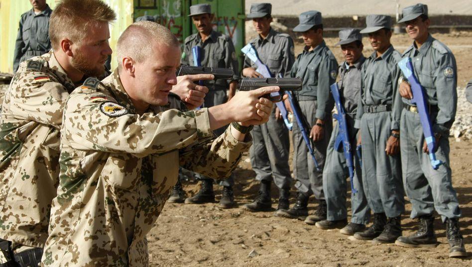 Bundeswehreinsatz: Regierung will neues Afghanistan-Mandat im Eiltempo durchpeitschen