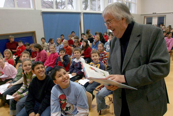 Peter Härtling 2005 in einer Mainzer Schule