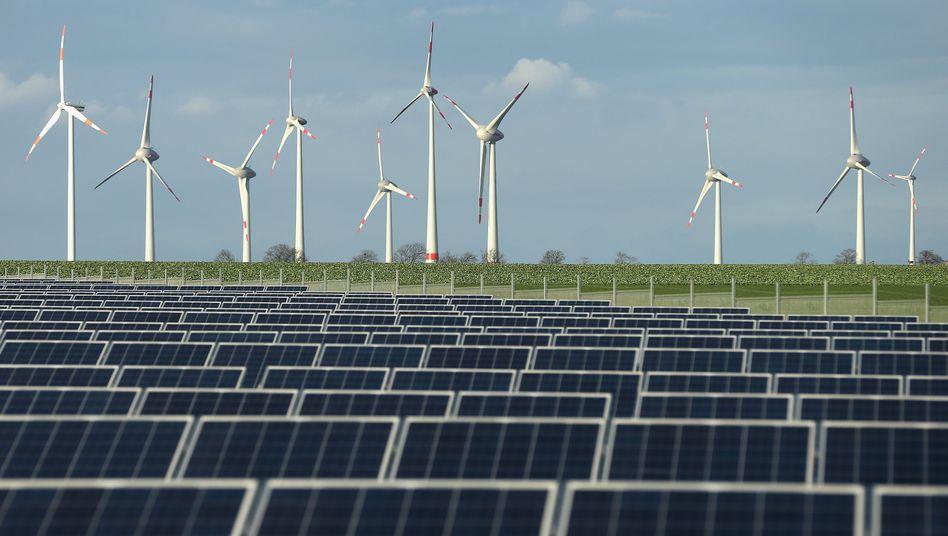 Windkraft- und Solaranlagen: Rückgrat der deutschen Stromversorgung