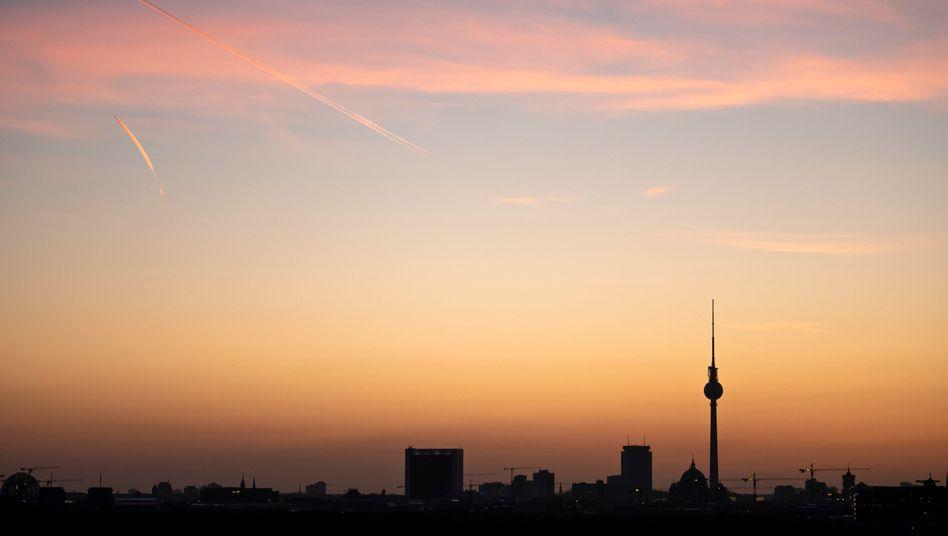 Himmel über Berlin: Für Ostern gibt es vielerorts trübere Aussichten