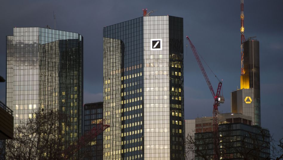 Zentralen von Deutsche Bank und Commerzbank in Frankfurt am Main