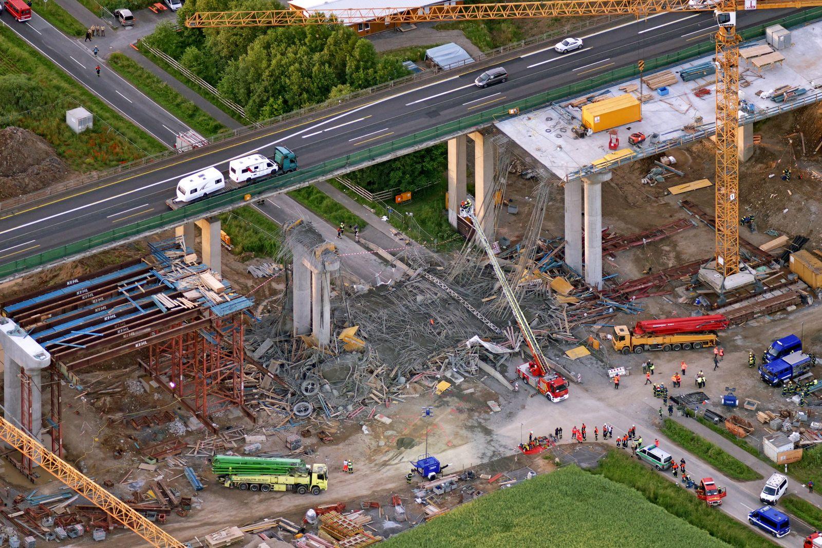 EINMALIGE VERWENDUNG Werneck/ Autobahnbrücke