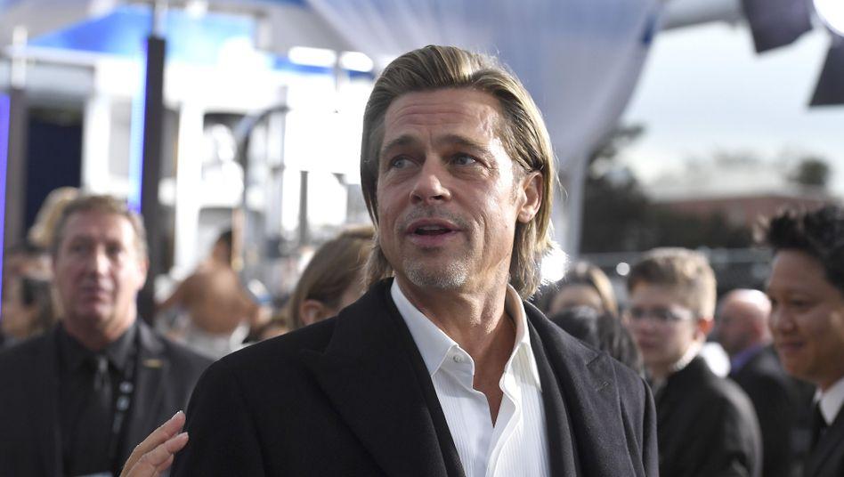 Brad Pitt (am 19. Januar in Los Angeles): Witze aus der Ferne