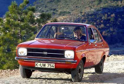 Ford Escort von 1975: Die blaue Variante fuhr Karol Wojtyla - nun wird sie versteigert