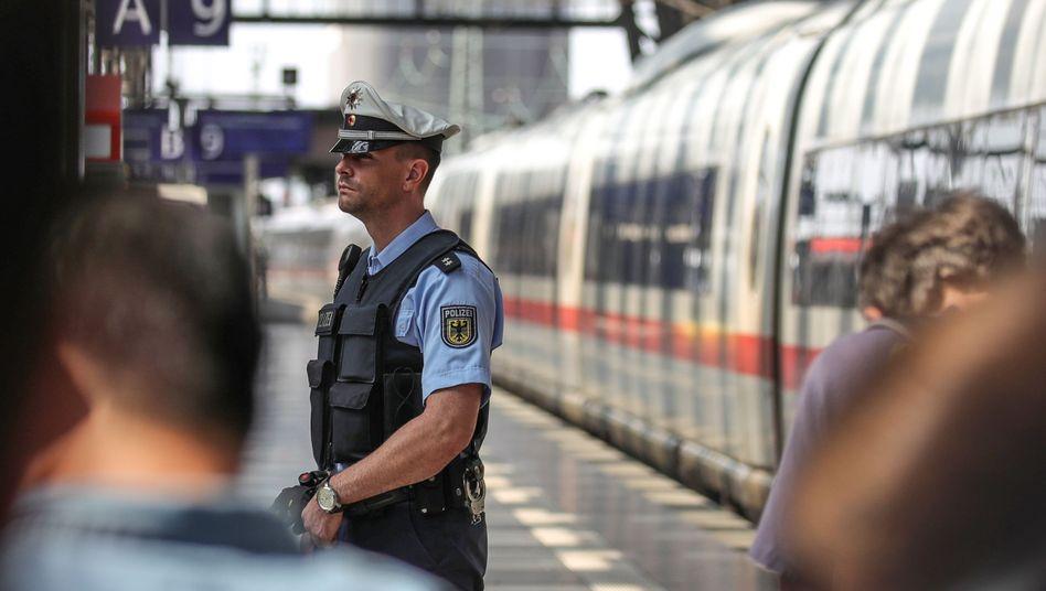 Die Bundespolizei will mehr Präsenz an Bahnhöfen zeigen