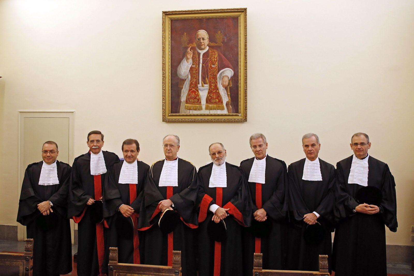 Vatikan/ Tribunal