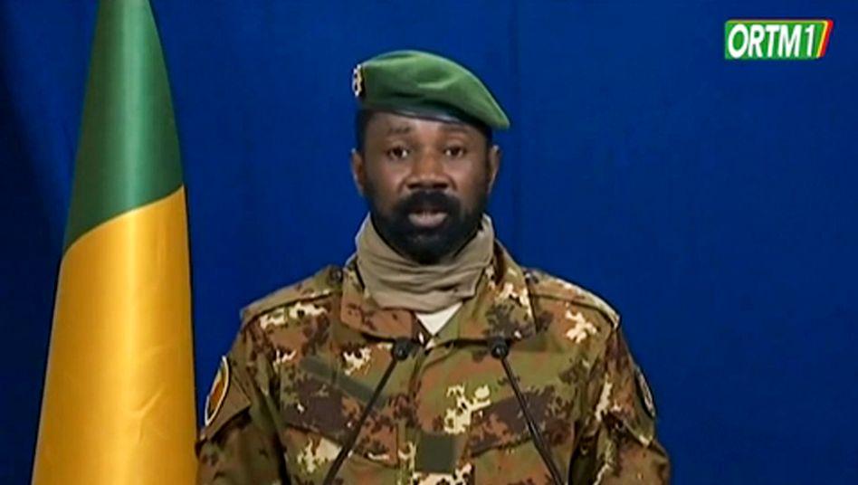 Assimi Goïta, Anführer der Militärjunta in Mali, bei einer Fernsehübertragung aus der Hauptstadt Bamako