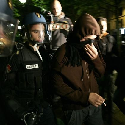 Festnahme in Paris: Wieder Randale nach Sarkozy-Wahl