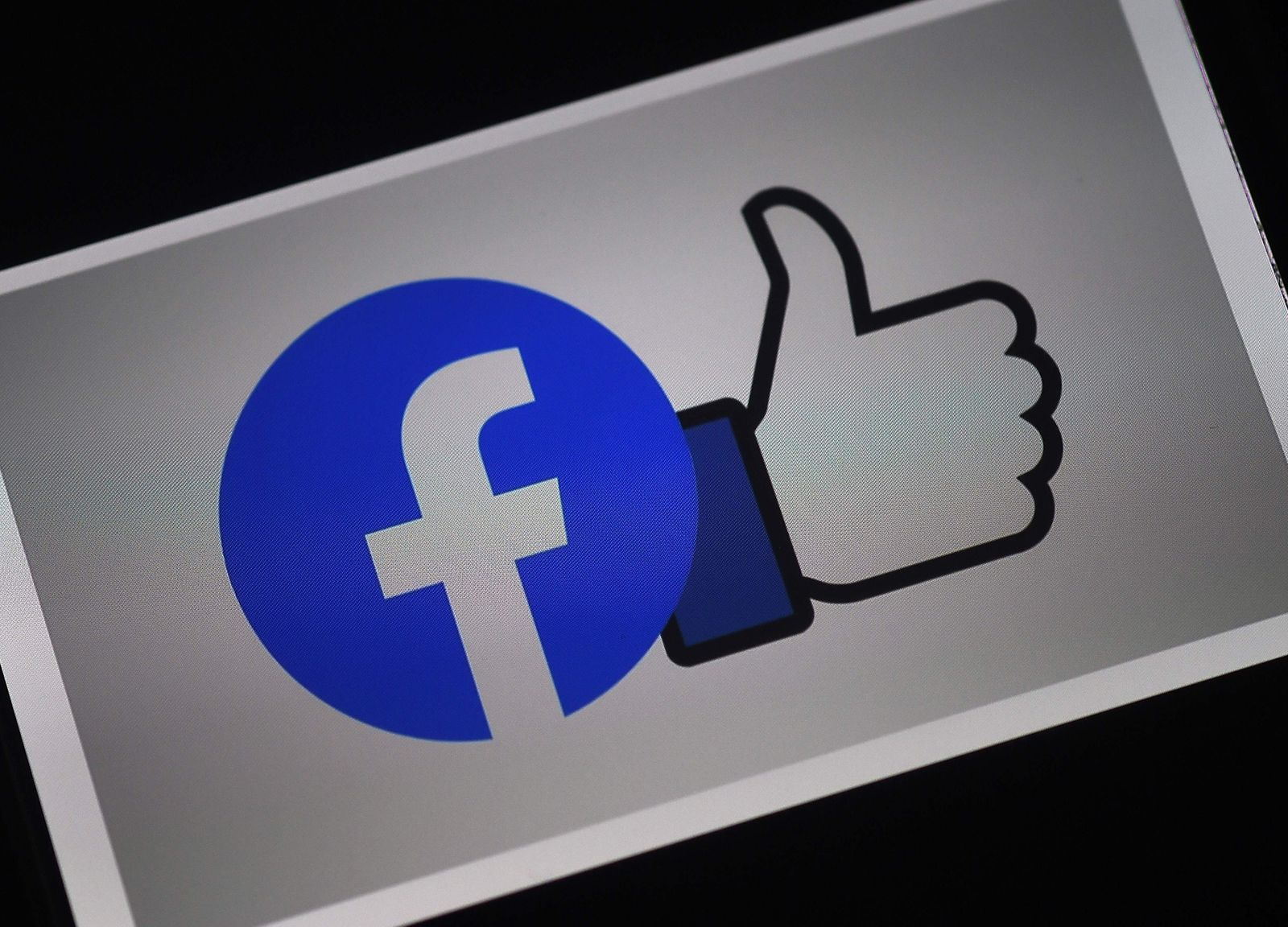 FILES-US-IT-LIFESTYLE-EARNINGS-FACEBOOK