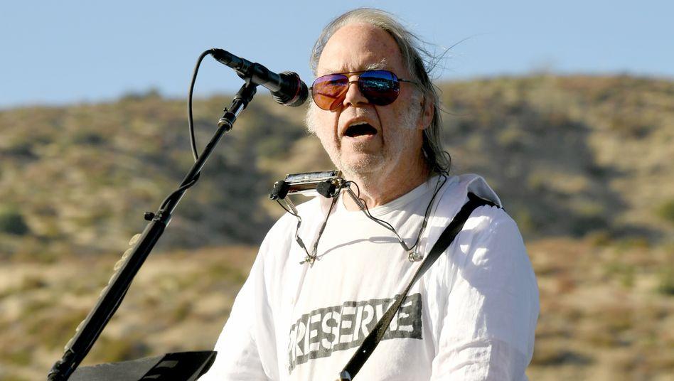 Neil Young (bei einem Benefizauftritt 2019): Bekannt für kritische Haltung zur Kommerzialisierung von Musik
