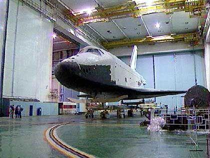 """""""Buran""""-Space-Shuttle in der jetzt eingestürzten Halle (Archivfoto)"""