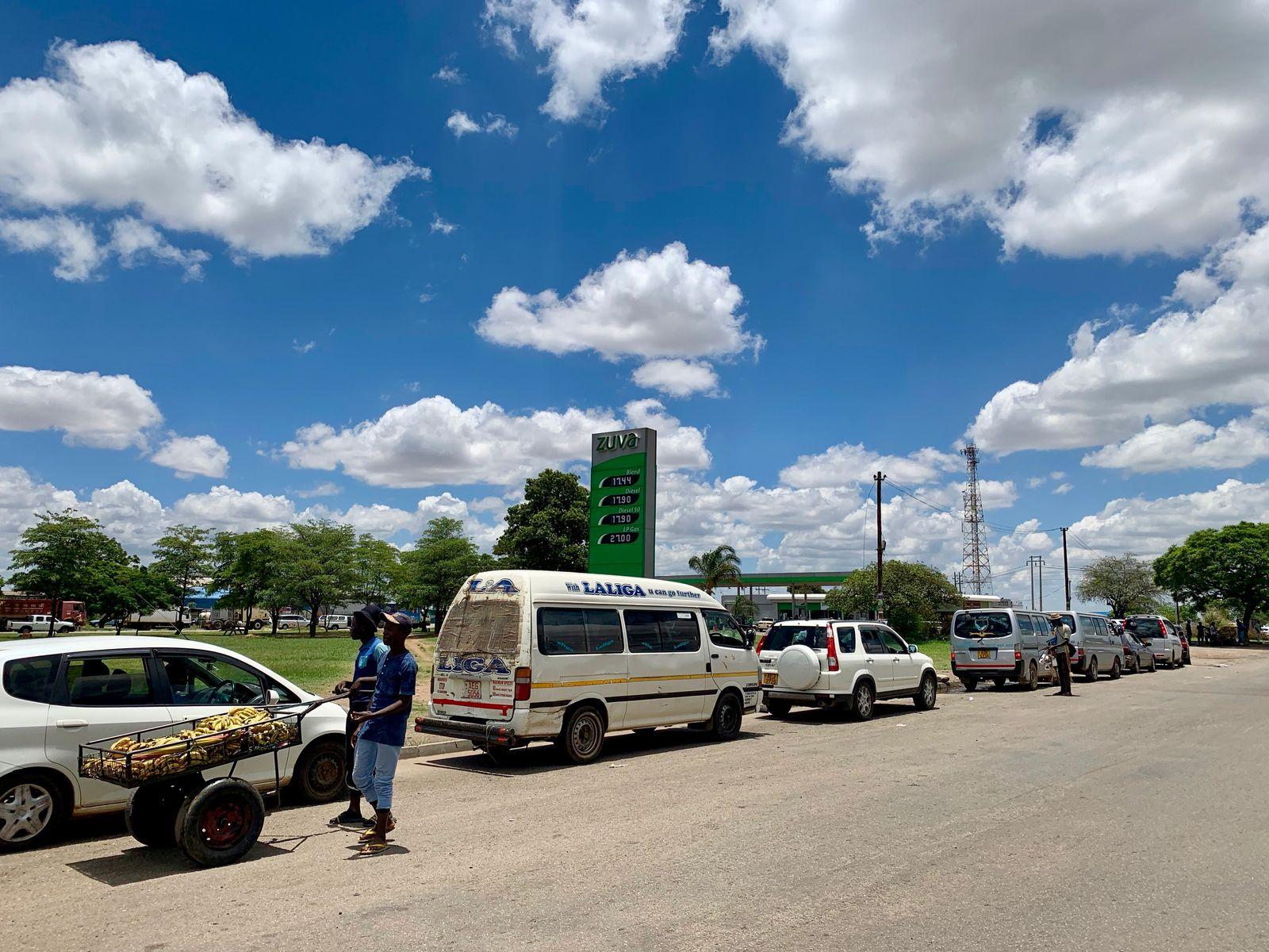 EINMALIGE VERWENDUNG Simbabwe/ Harare/ Versorgungskrise
