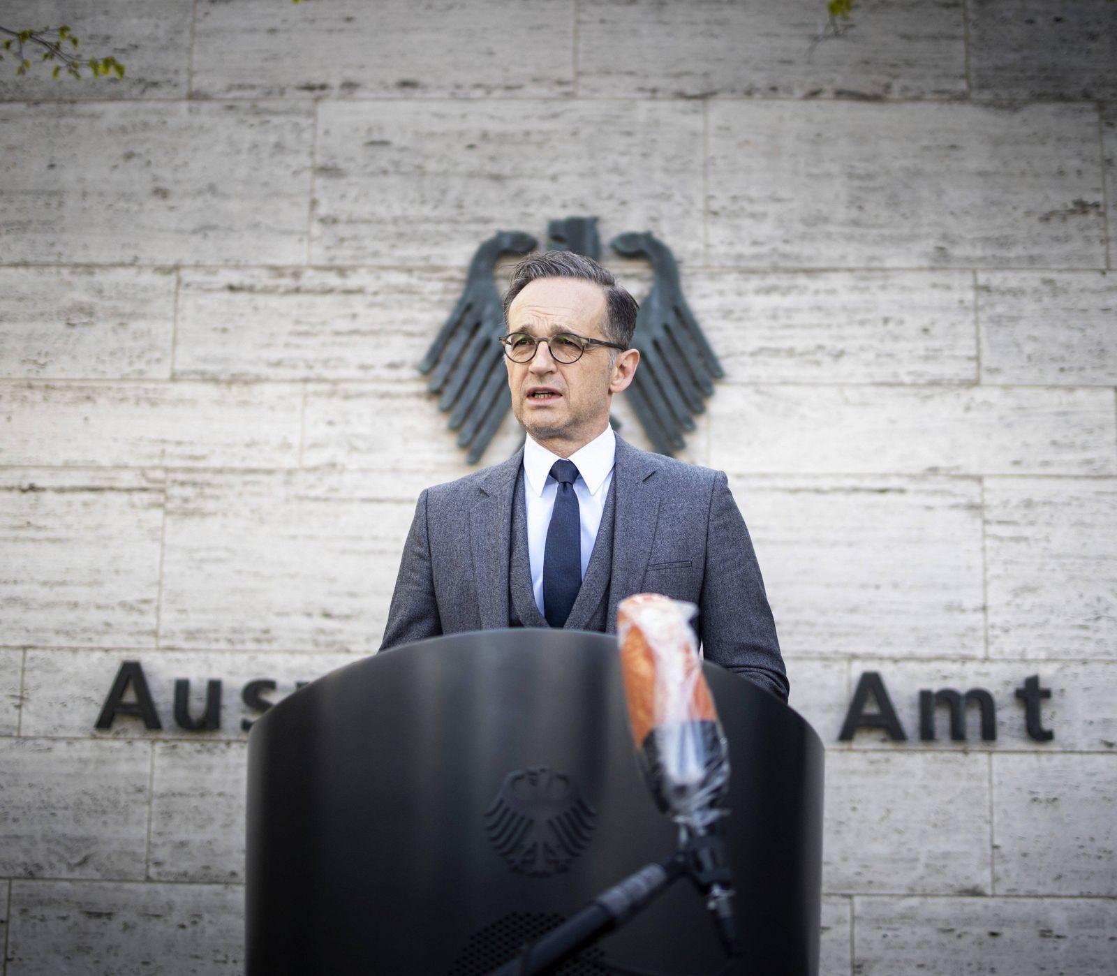 Bundesaussenminister Heiko Maas, SPD, gibt ein Pressestatement vor dem Auswaertigen Amt zu der aktuellen Lage der Rueck