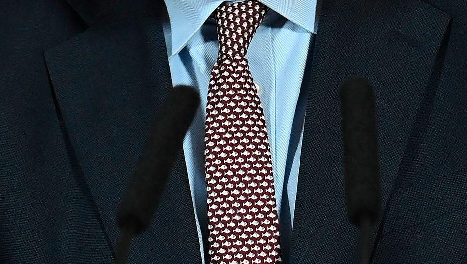 Boris Johnsons Krawatte an Heiligabend: Mit Fischmotiv