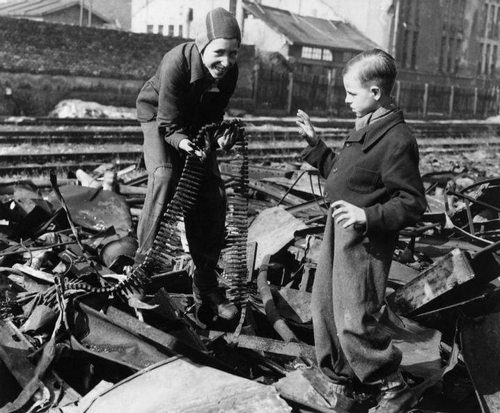 Maschinengewehrpatronen als Spielzeug (1947)