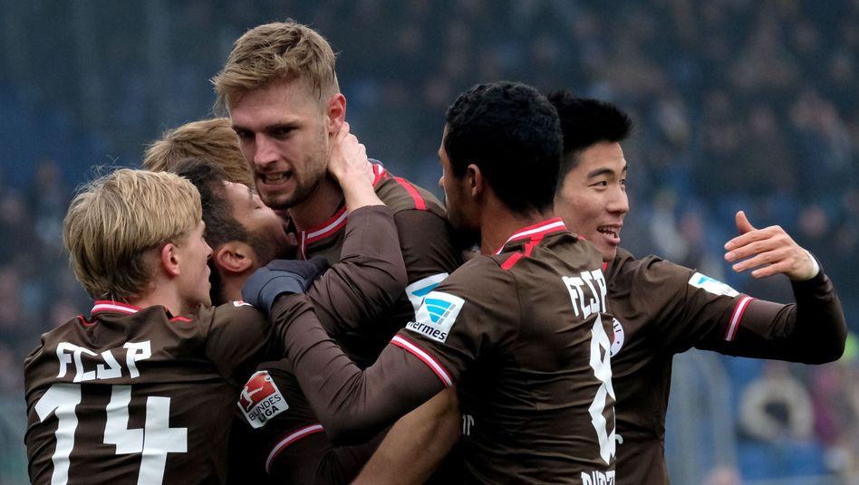 St.-Pauli-Profis bejubeln den dritten Saisonsieg