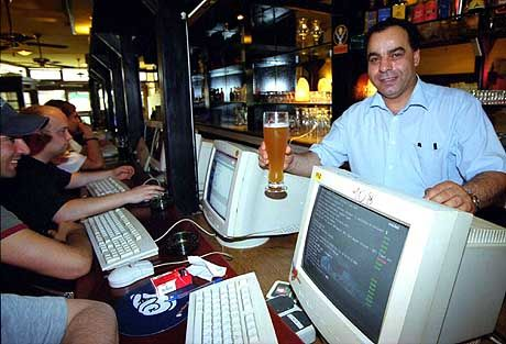Restaurantchef Roberto Sadami: In San Francisco und Paris Inspirationen für Münchens erstes Netz-Café geholt