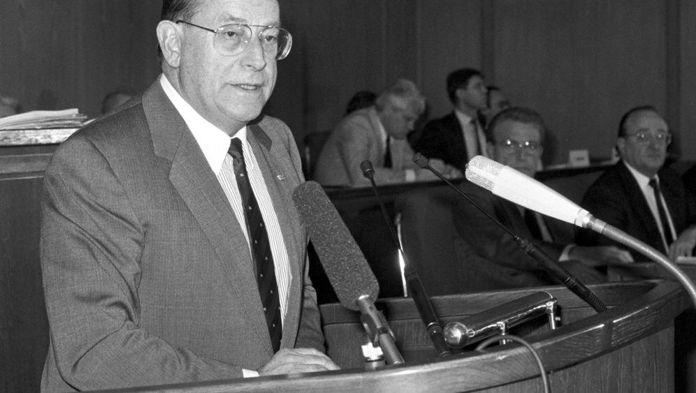 Früherer Bundesinnen- und -verkehrsminister: Friedrich Zimmermann ist tot