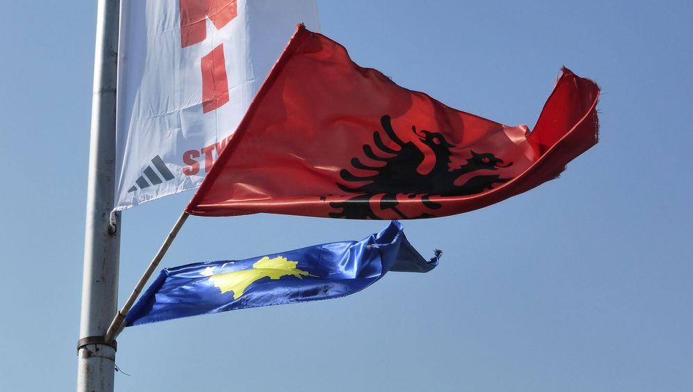 Mitrovica Kosovo Albaner Gegen Serben Im Kleinkrieg Sind Sie
