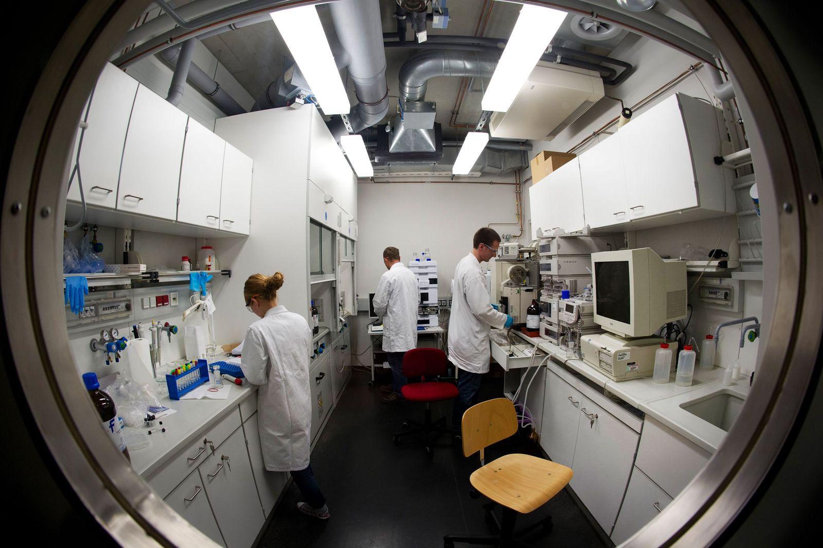 Forschung/ Labor/ Universität