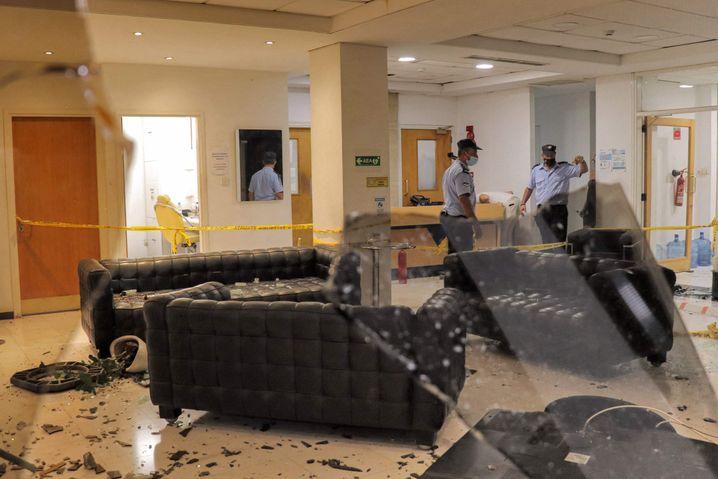 Nikosia: Ein wütender Mob drang in die Räume des zyprischen Fernsehsenders Sigma ein und zerstörte das Mobiliar