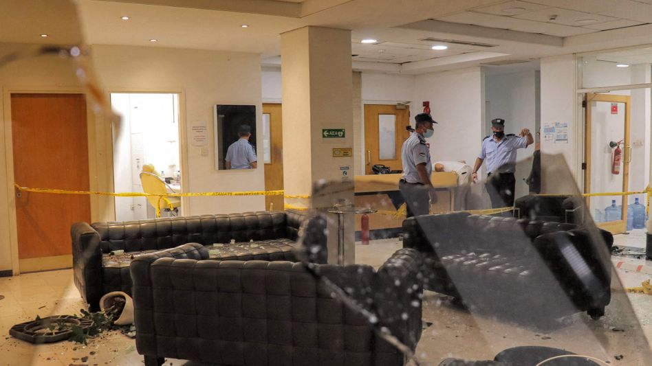 Schäden im Sendergebäude nach dem Angriff
