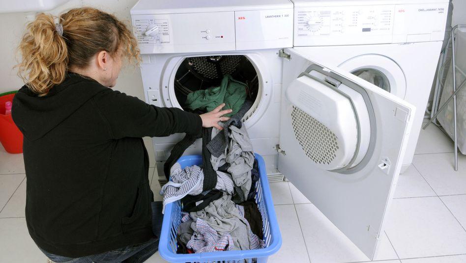 Frau bei der Hausarbeit: Klassische Rollen?