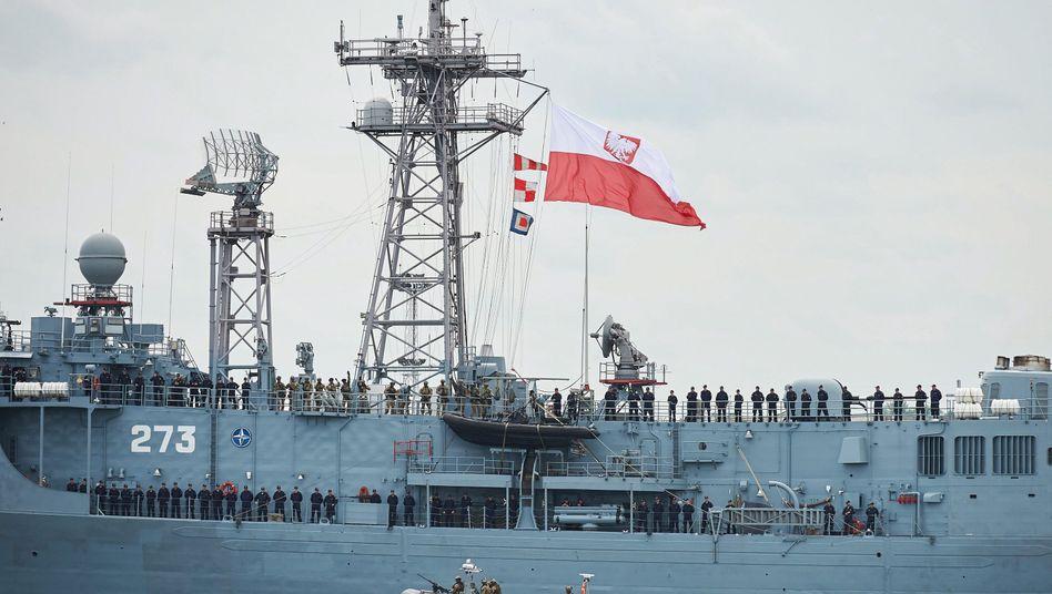 Polnische Fregatte im Hafen von Gdynia, Juni 2016