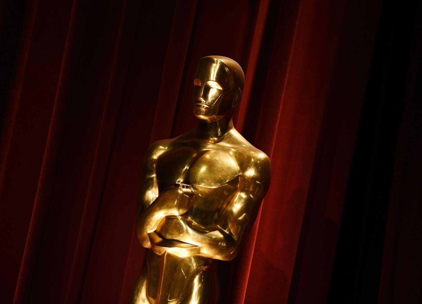 Oscar Statue Schatten