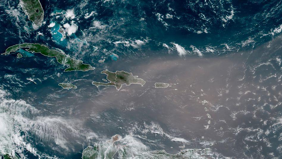 Satellitenaufnahme: Die Staubwolke hat die Karibik bereits erreicht