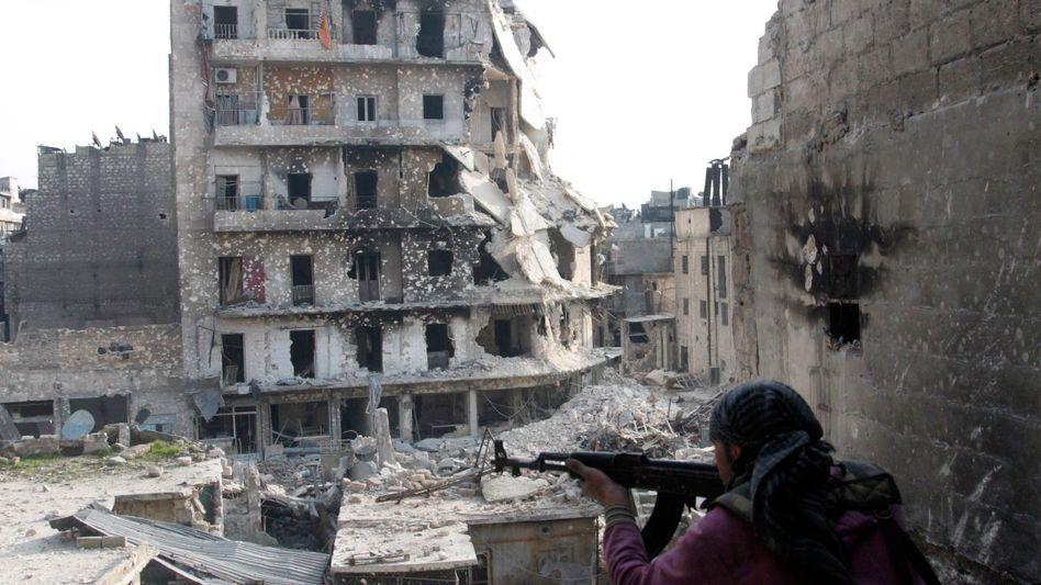 Kämpfer der Freien Syrischen Armee in Aleppo: Kommen Chemiewaffen zum Einsatz?