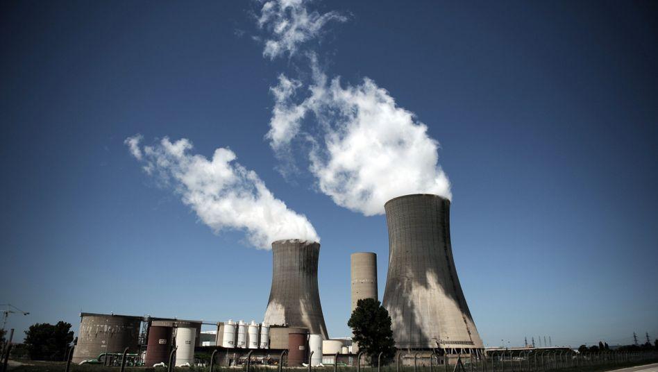 Frankreich bezieht weltweit den höchsten Anteil seines Stroms aus Atomkraft - und lässt sich Zeit mit dem Ausstieg aus der Kernenergie (im Bild das AKW Tricastin, Archivfoto)