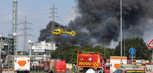 Leverkusen: Explosion im Chempark – Vermisstensuche geht weiter