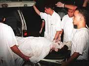 Bergung der Überlebenden nach Diskothekenbrand in Manila 1996