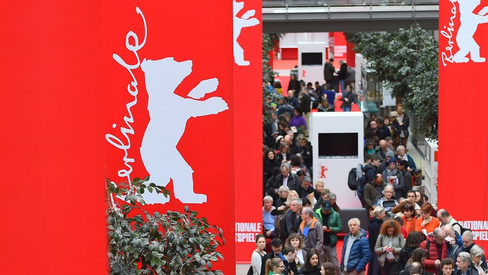 Berlinale-Kartenverkauf (im Februar): Das einzige große Filmfestival, das von der Corona-Pandemie nicht betroffen war