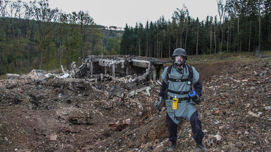 Trümmer in Vrbětice nach der Explosion im Oktober 2014: »Munition aus der Zeit des Warschauer Paktes«