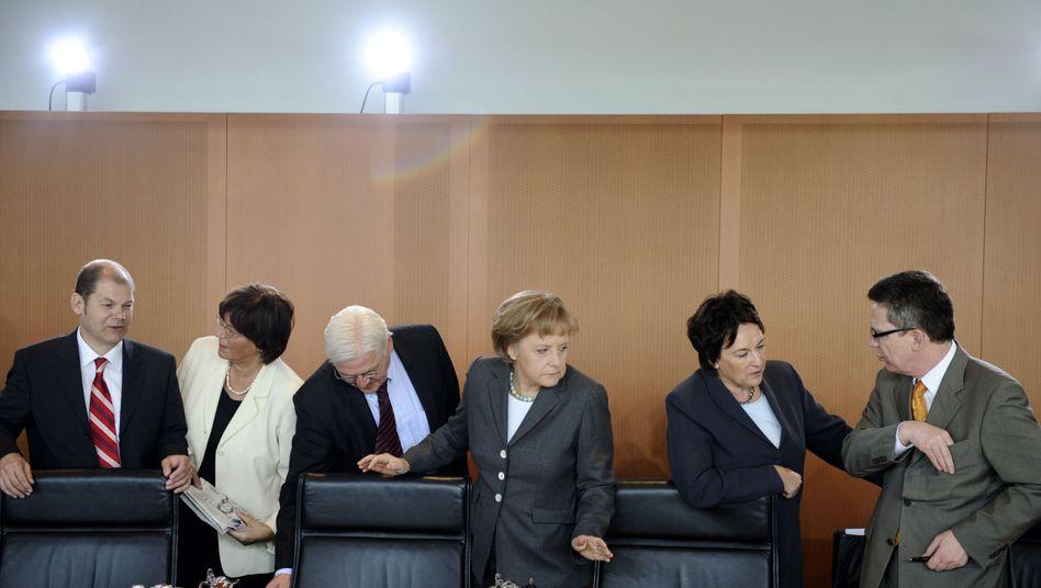 Merkels Team am Kabinettstisch (Archivbild): Stimmen Sie im Noten-Vote ab!